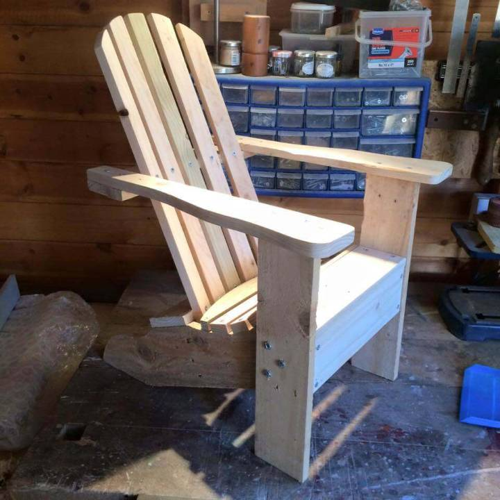 sturdy pallet Adirondack chair