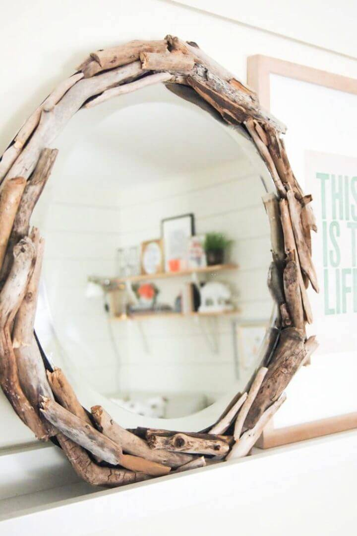 Awesome DIY Driftwood Mirror