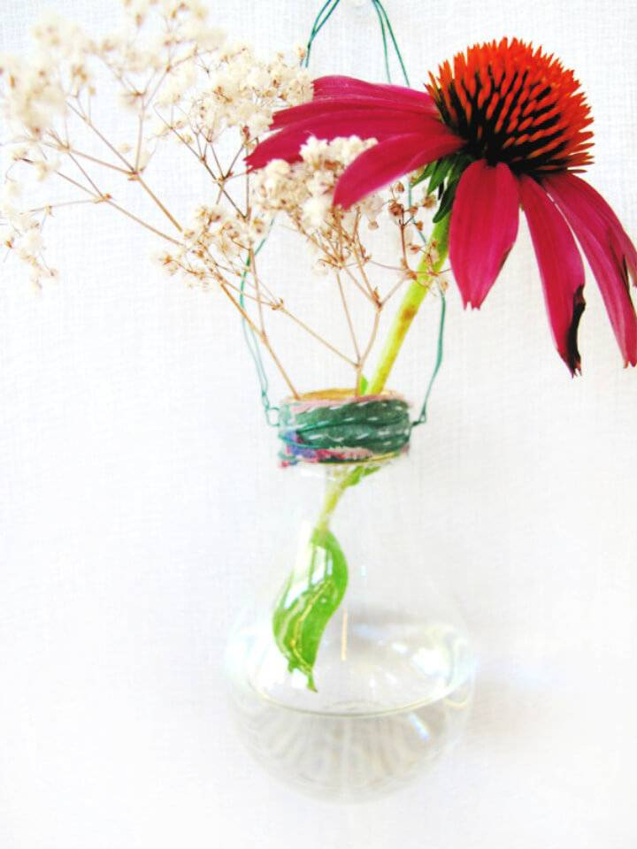 Awesome DIY Light Bulb Vase