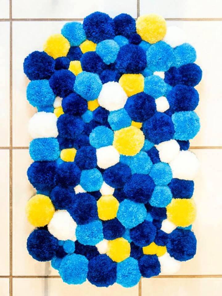 Beautiful DIY Pompom Rug
