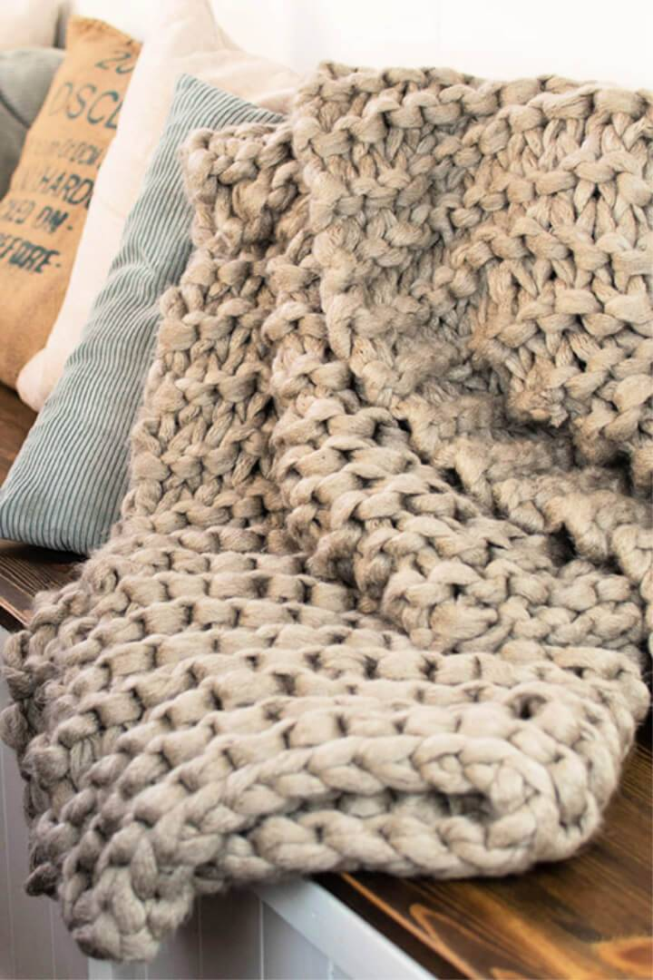 Chunky Arm Knit Blanket