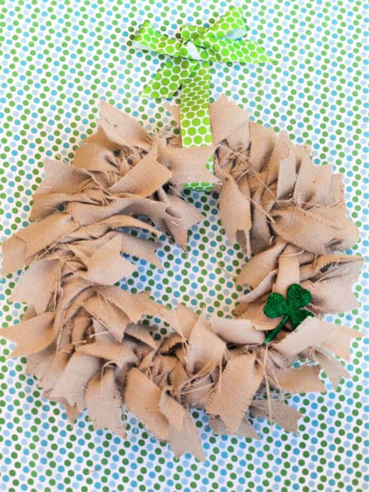 DIY Burlap Fabric Wreath