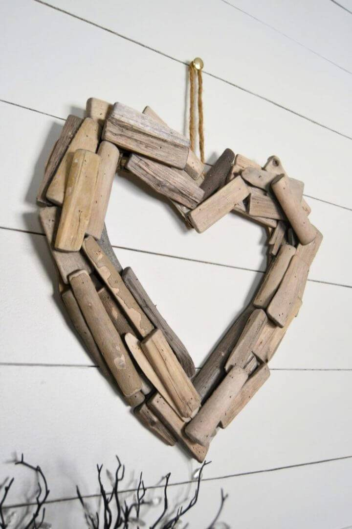 DIY Driftwood Heart Wreath
