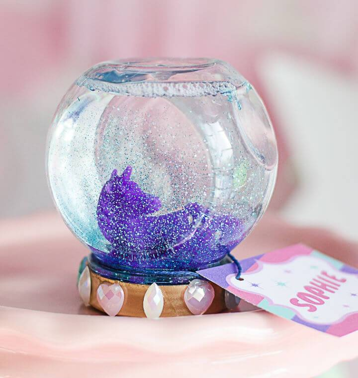 DIY Magical Unicorn Snow Globe