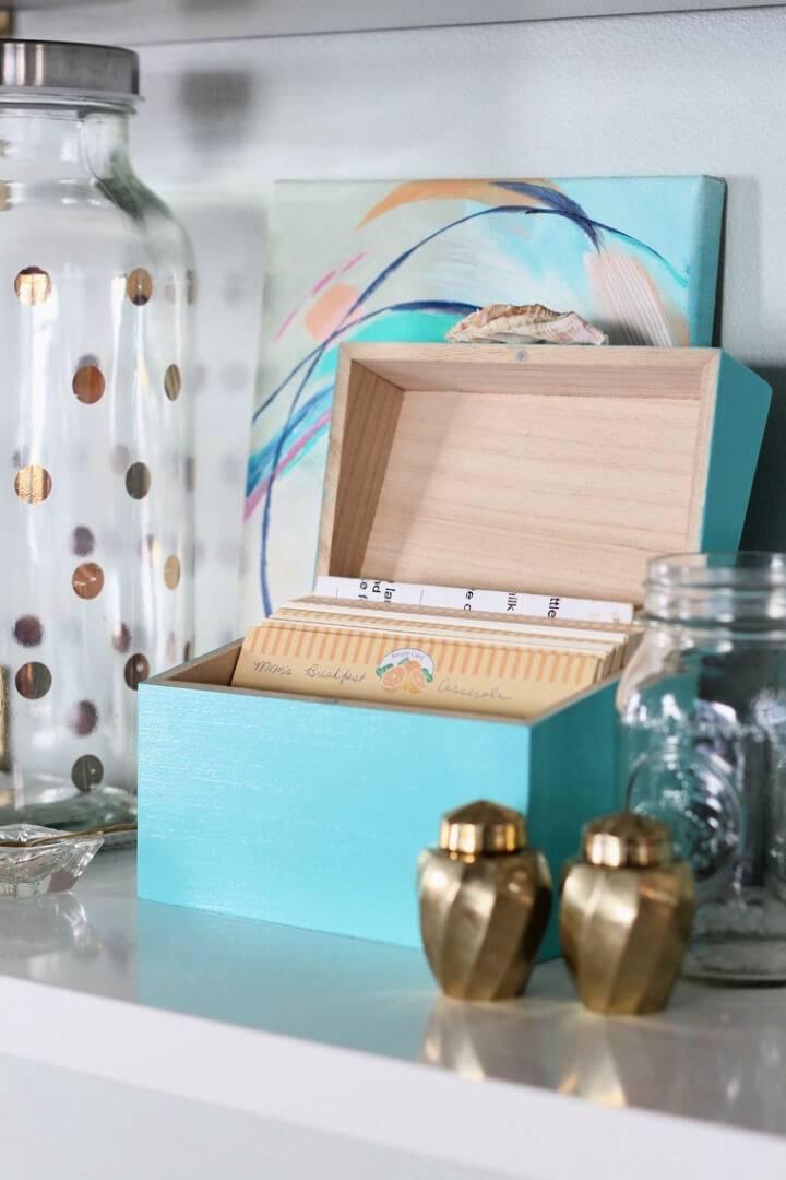 DIY Recipe Box Gift for Moms Day