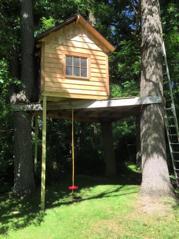 DIY Reclaimed Woode Pallet TreeHouse