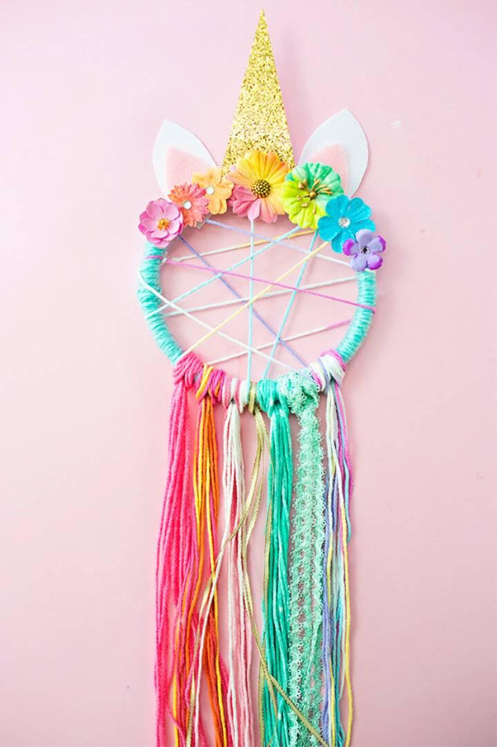 DIY Unicorn Dreamcatchers Using Embroidery Hoops