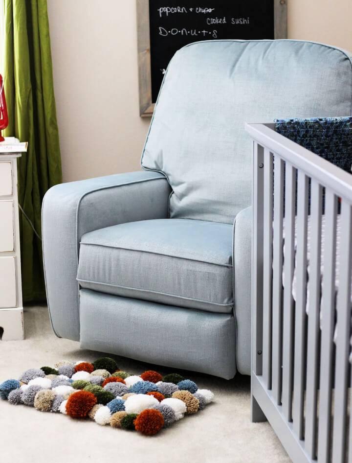 DIY Yarn Pom Pom Rug