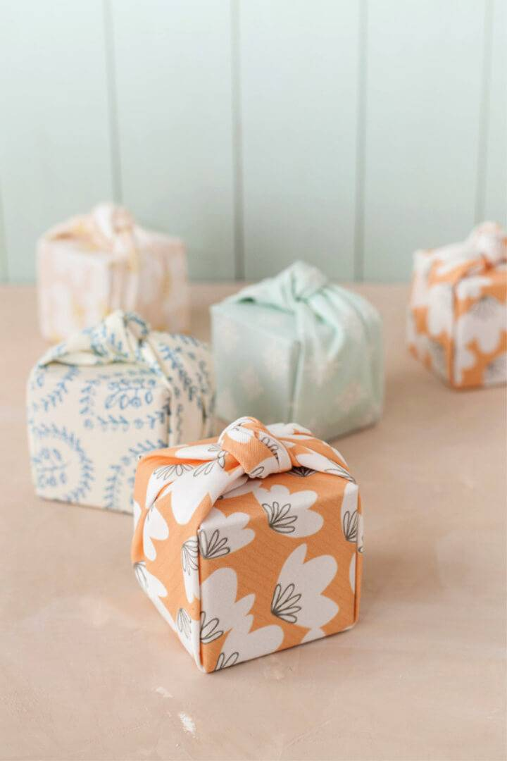 Knotted Fabric wrapped Favor Boxes