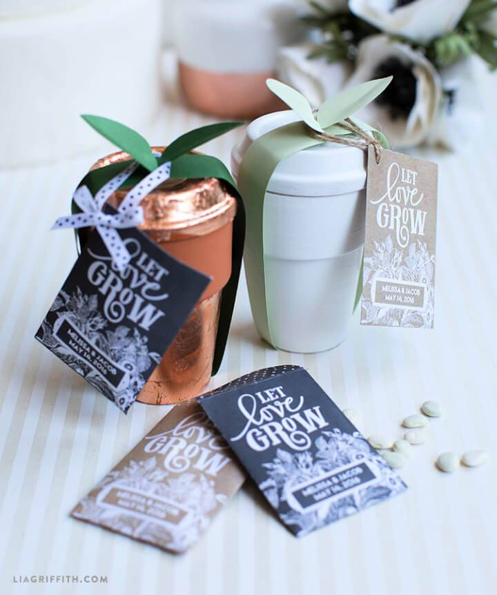 Make Seed Packet Wedding Favors