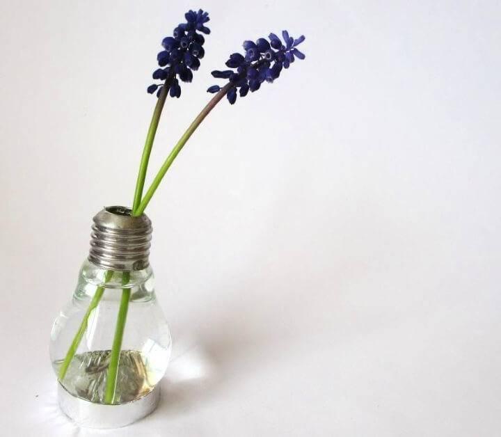 Quick DIY Light Bulb Vase
