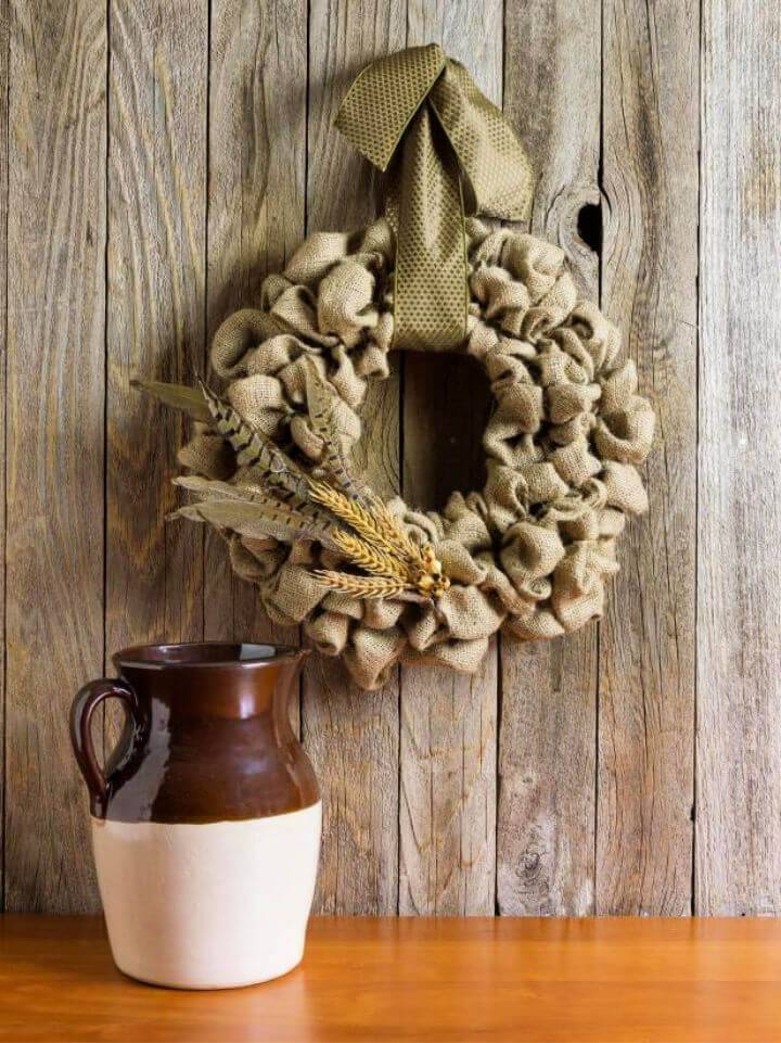 Simple Elegant DIY Burlap Wreath