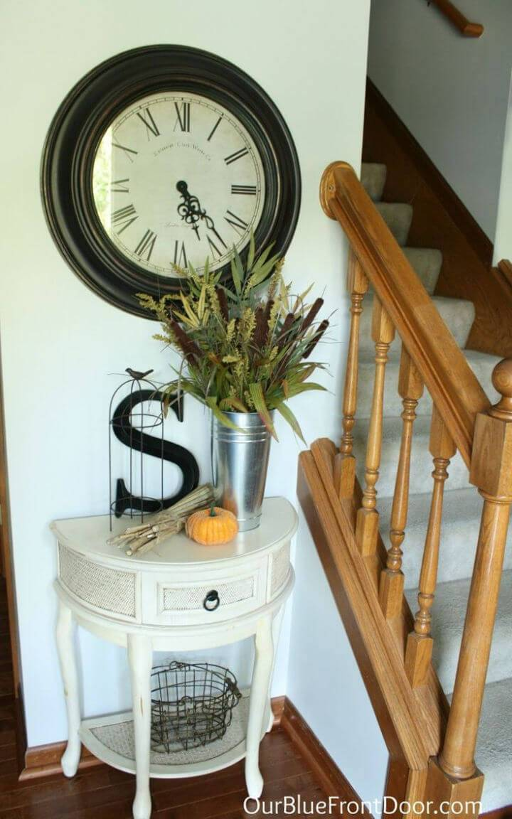 Small Entryway Table for Fall Decor