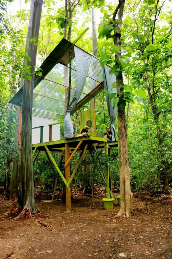 Turn Old Pallets into Tree House