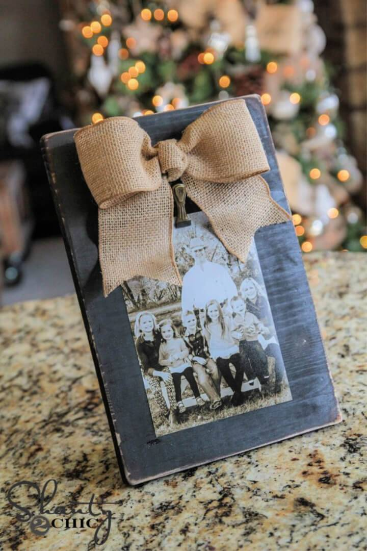 DIY 3 Burlap Bow Picture Frame