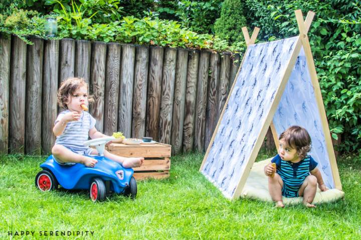 DIY Game House for The Picnic