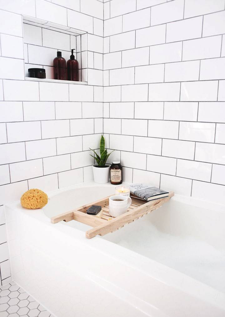 DIY Wooden Bathtub Caddy