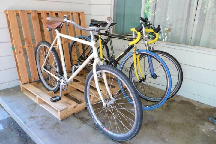 DIY Wooden Pallet Bike Rack