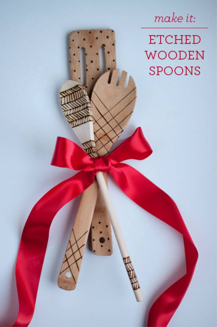 Perfect DIY Etched Wooden Spoons Gift