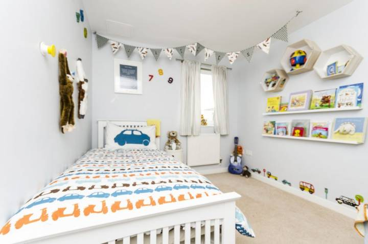 Easy DIY Projects For Your Childrens Bedroom