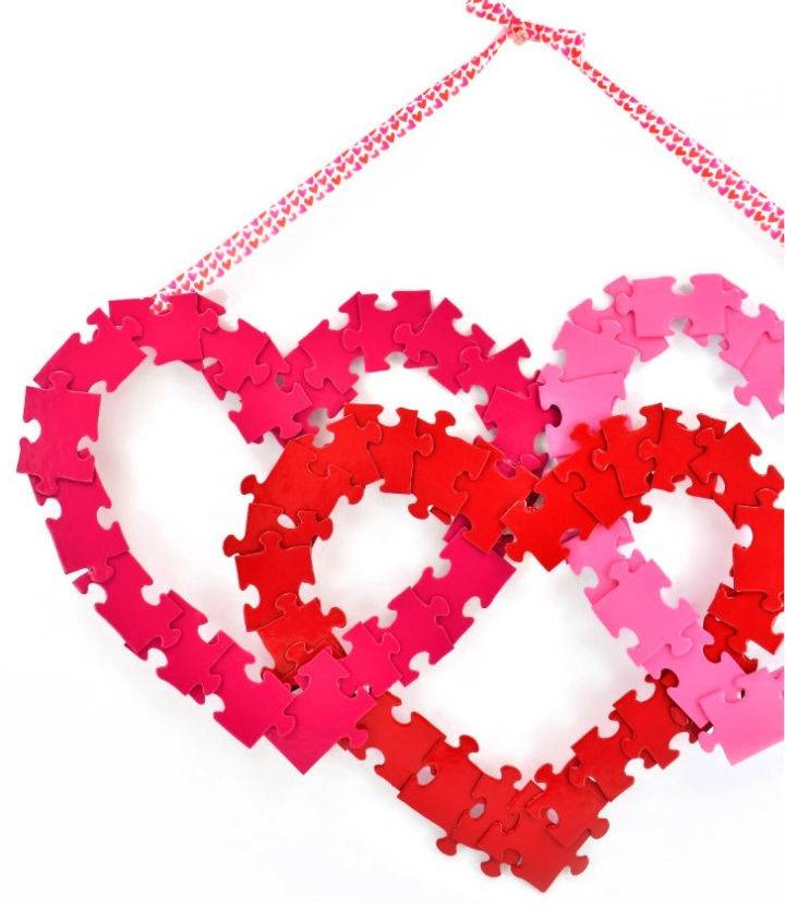 Jigsaw Puzzle Heart Wreath