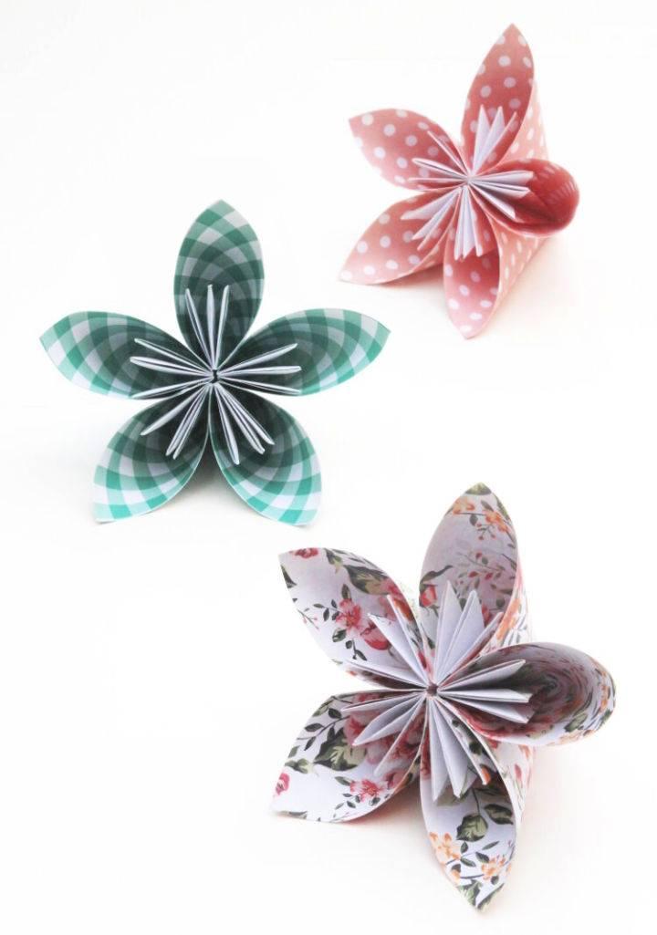How to Make Origami Kusudama Flowers