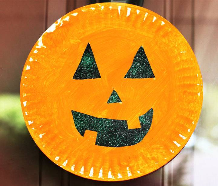 Paper Plate Pumpkin Halloween Craft for Preschooler