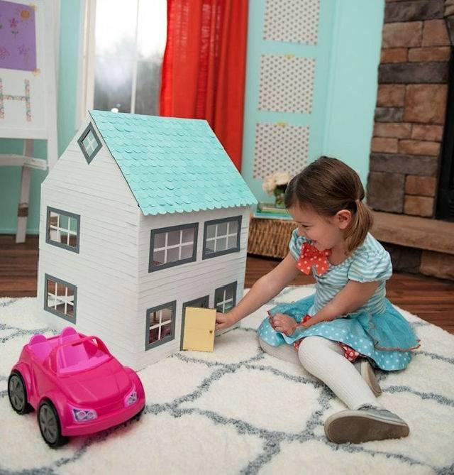 Cardboard Box Craft – DIY Dollhouse