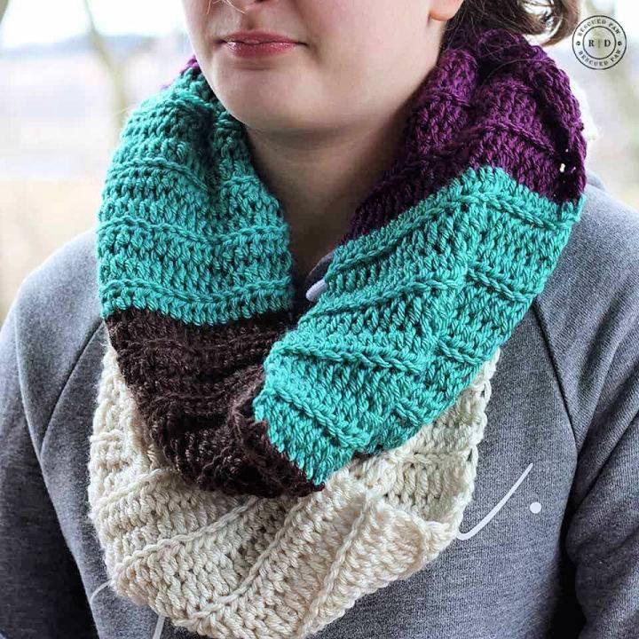Color Blocked Infinity Scarf Crochet Pattern