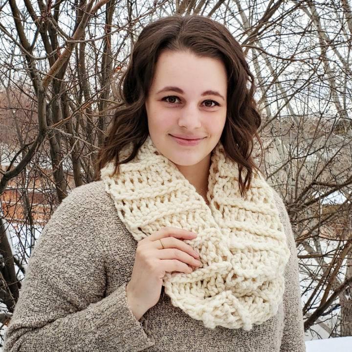 Crochet Amy Infinity Scarf Free Pattern