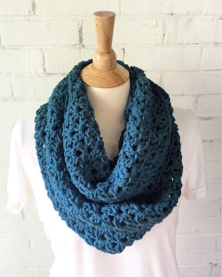 Crochet Laurel Infinity Scarf