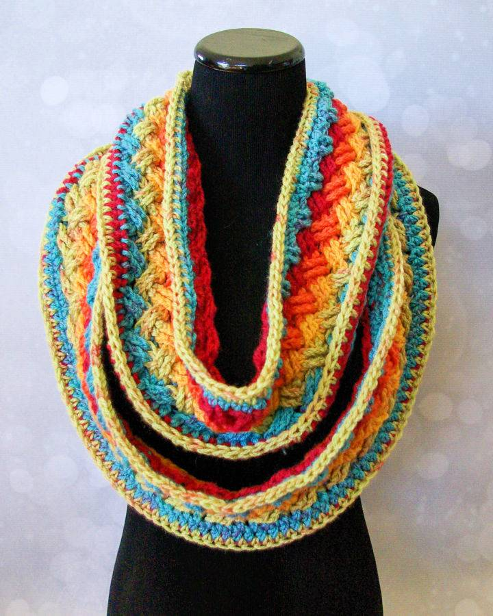 Crochet Lucky Celtic Infinity Scarf