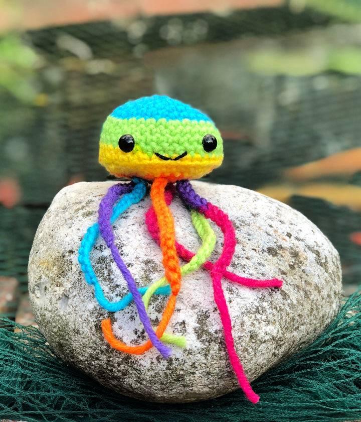 Crochet Rainbow Jellyfish Amigurumi