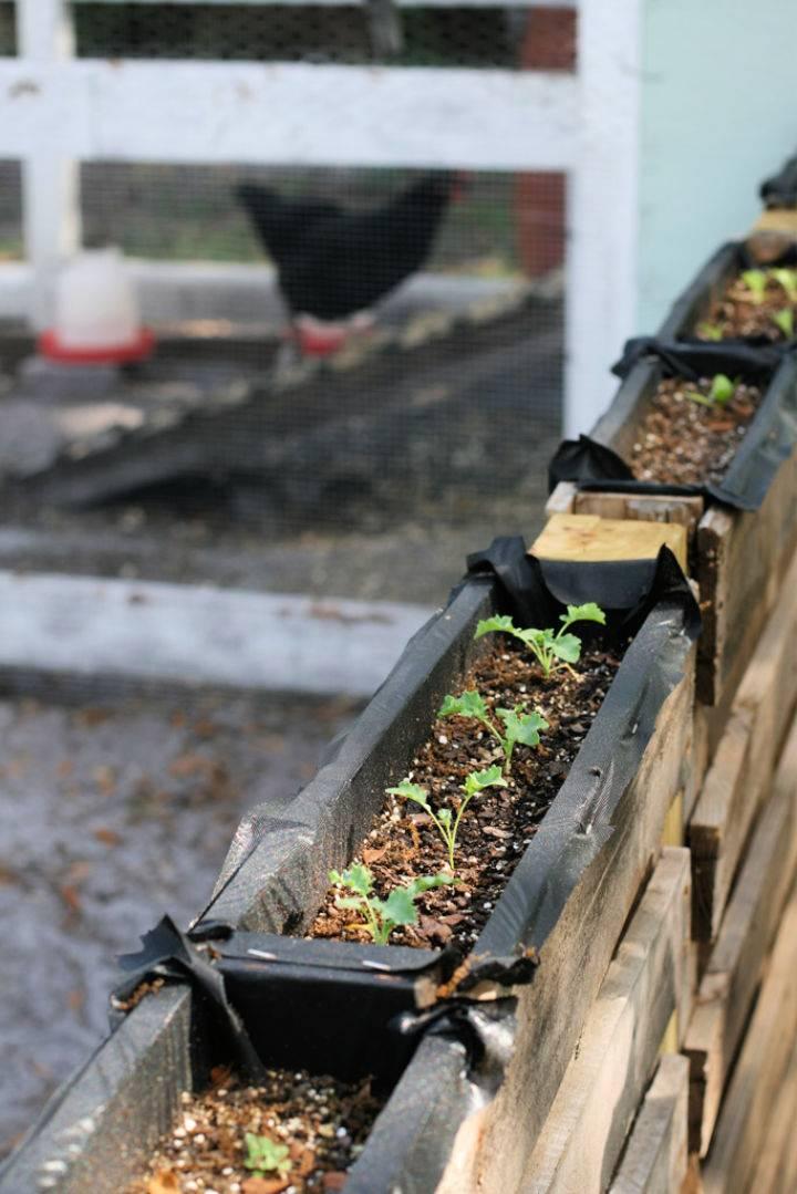 DIY Pallet Top Garden
