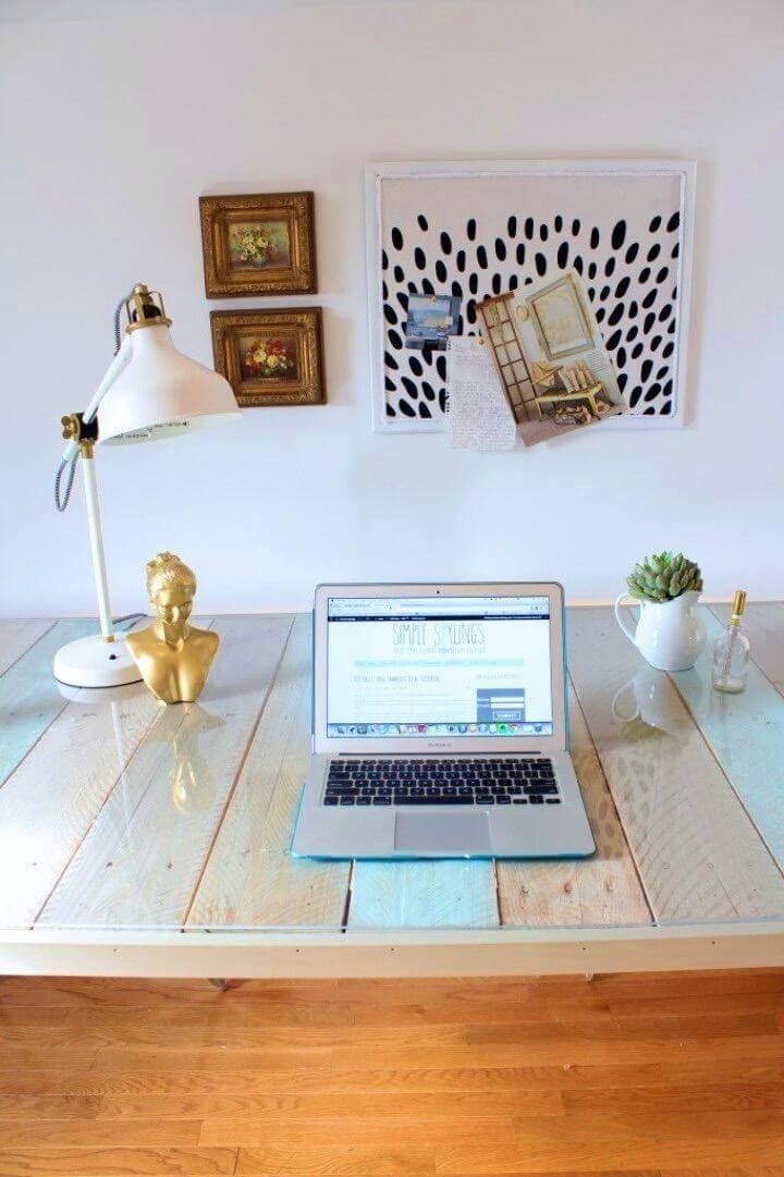DIY Pallet and Sawhorse Desk