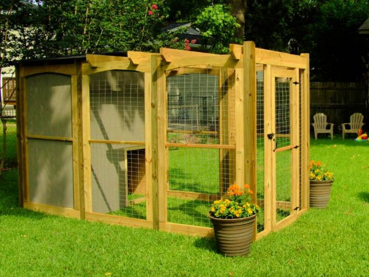 Dog Run with Attached Doghouse
