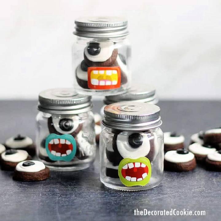 Eyeball Cookies In Mini Mason Jars