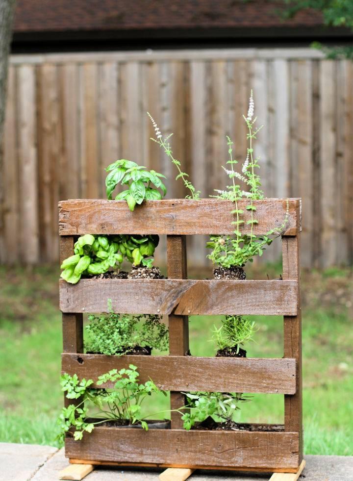 Homemade Pallet Herb Garden