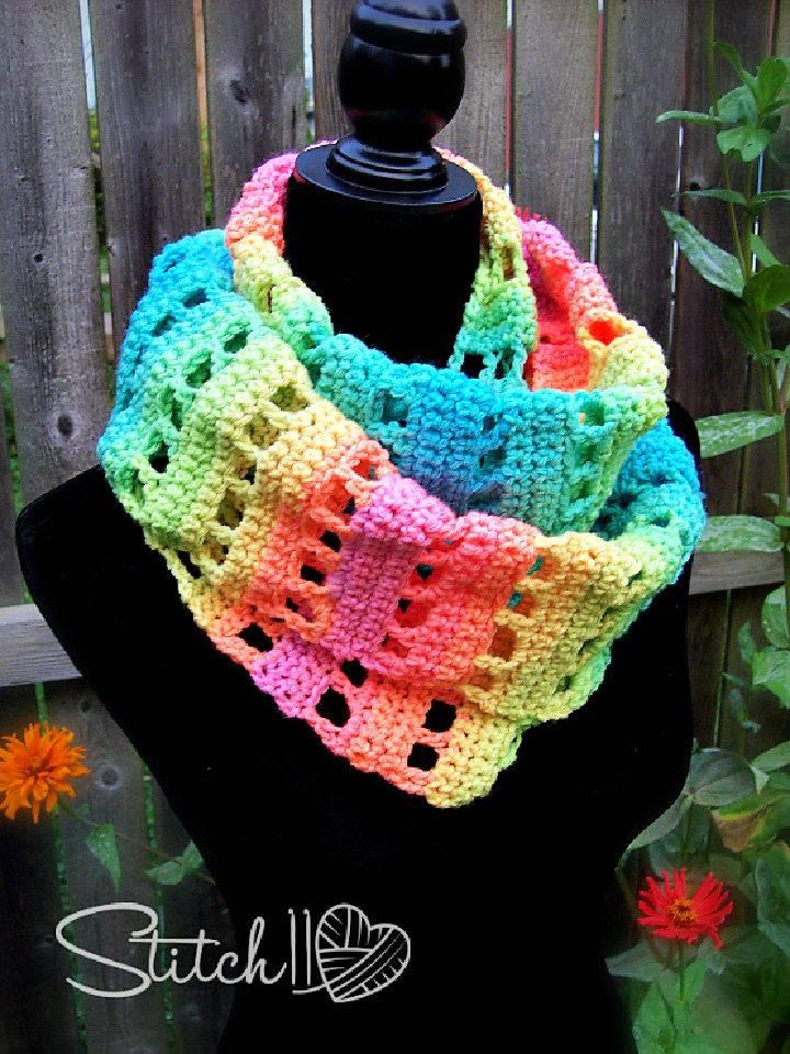 Jumping Retro Crochet Infinity Scarf