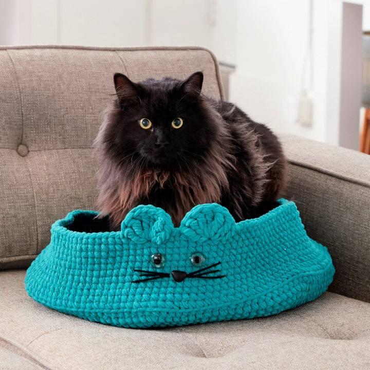 Kitten Ears Crochet Pet Bed