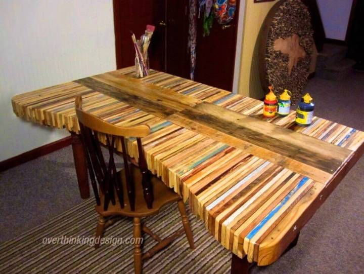 Make a Desk with Pallets