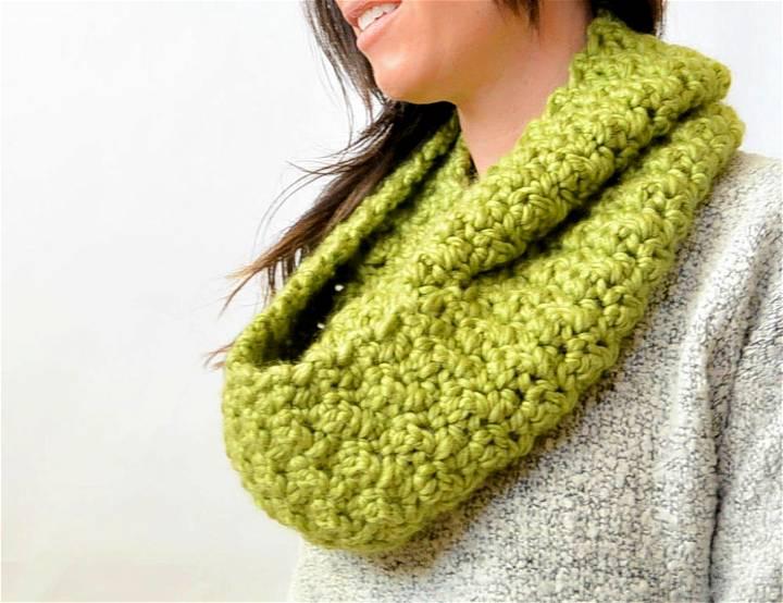 Squishy Crochet Infinity Scarf Pattern
