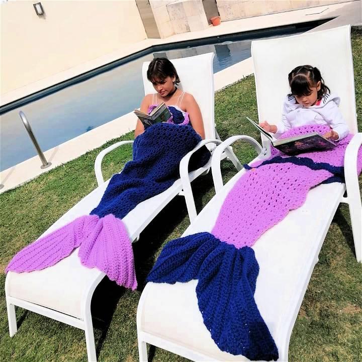 crochet mermaid tail blankets in purple color
