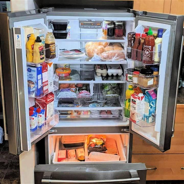 how to organize refrigerator shelves