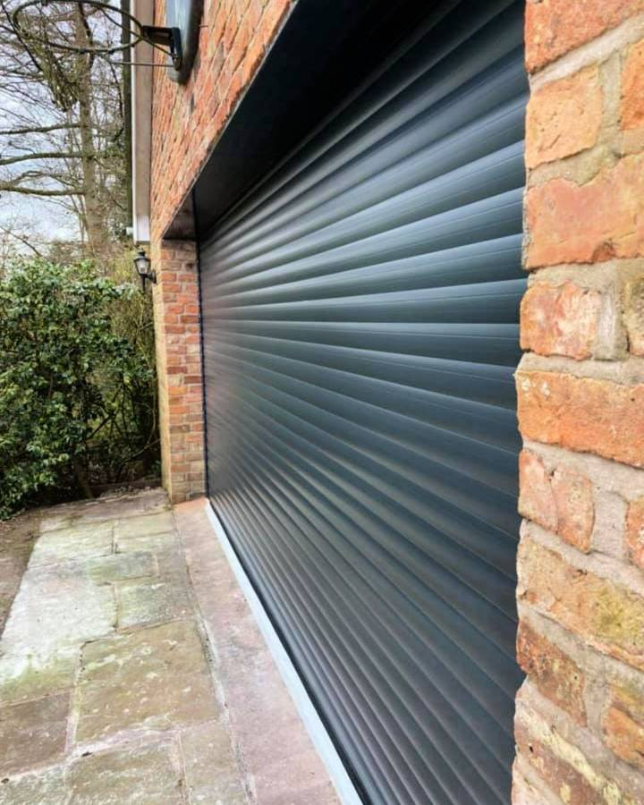 Reasons Why You Need to Hire a Professional Garage Door Repair Company