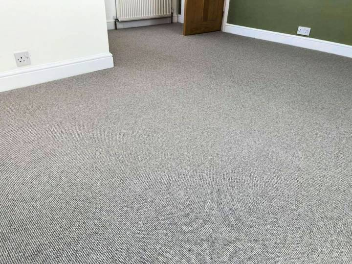learn how to lay carpet yourself