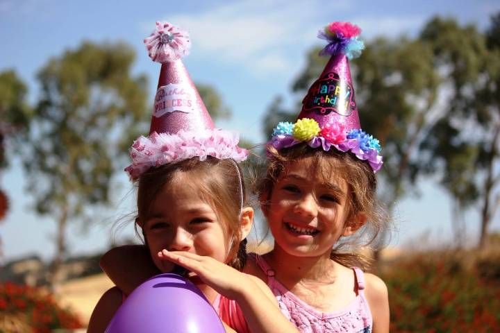 6 Crafts That You Can Do at a Childs Birthday Party